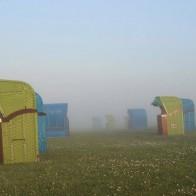 Nordseeinsel Pellworm Strandkörbe Nebel Cafe Anticus
